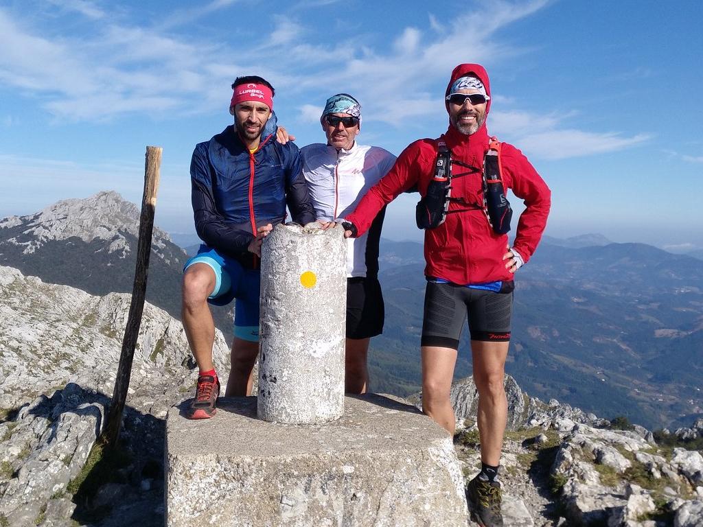 Pico Aratz (1.443 m).